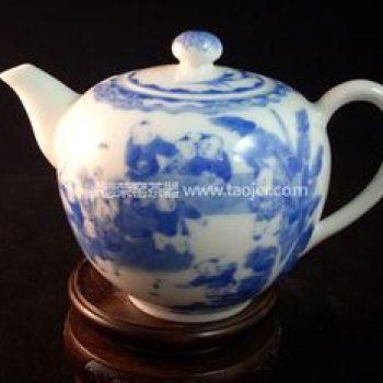 景德镇小雅青花瓷器小雅款童子戏春茶壶
