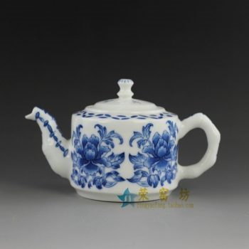 14o33  青花花卉图手柄茶壶