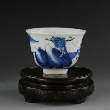 14U86-c手绘青花山水风景画功夫茶杯 品茗杯