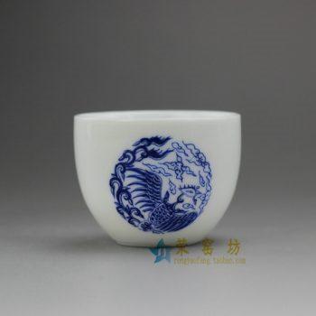 14DR152 8076手绘团花凤纹茶杯 品茗杯 功夫茶具 尺寸: 口径 5.6厘米 高 4.4厘米 容量 60厘米