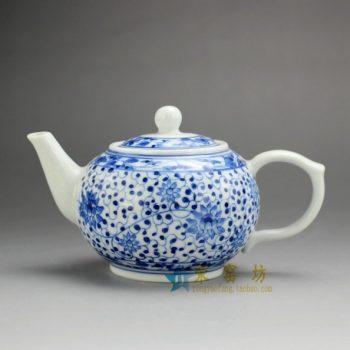 14G121 7513手工青花缠枝花卉纹茶壶 手柄泡茶壶 尺寸: 口径 5.5厘米 肚径 9.2厘米 高 8.2厘米 容量 250毫升