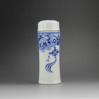 CBAJ02-F 8293手工全瓷青花吉祥如意图文茶杯 养生保温杯 旅行杯 尺寸:高 19.8cm 口径 5.6cm 容量 300ml