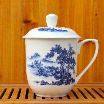 CBDI40-J-01手工高档骨瓷将军杯 青花山村风光图茶杯 品茗杯 大号老板杯尺寸:高 17cm 净高 12cm 口径 11cm 容量 850ml 重量 600