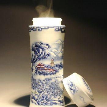 CBAJ02-D 8434 手工全瓷青花斗彩山峦雪景图茶杯 养生保温杯 旅行杯 尺寸:高 19.8cm 口径 5.6cm 容量 300ml