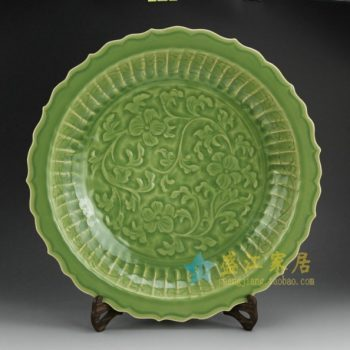 RZES01-A 8417手工颜色釉刻纹花卉齿边挂盘 赏碟 尺寸: 口径 43厘米 深度 7.6厘米