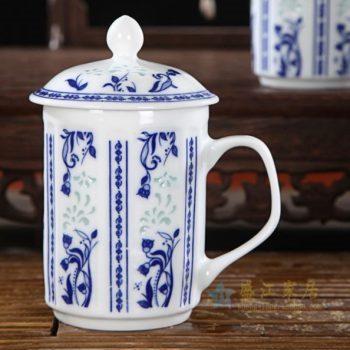 CBAF07 01青花玲珑花卉纹屏画带盖茶杯 老板杯 办公杯 尺寸:口径 7.5厘米 高 14厘米 容量 320毫升