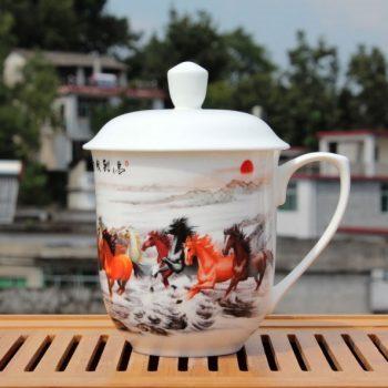 CBDI40-F-01手工高档骨瓷将军杯 粉彩马到成功图茶杯 品茗杯 大号老板杯尺寸:高 17cm 净高 12cm 口径 11cm 容量 850ml 重量 600g