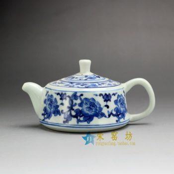 14G120 7493手工青花花卉图茶壶 手柄泡茶壶 尺寸:口径 4.8厘米 肚径 9.3厘米 高6.8厘米 容量 170 毫升