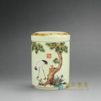 RZEJ09 9850景德镇陶瓷 手绘松鹤延年图 茶叶罐 盖罐 密封罐 规格尺寸:口径 7.5厘米 肚径 7.5 厘米 高 11.2 厘米