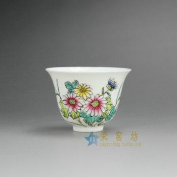 RYNY08-D 9759景德镇陶瓷 手绘粉彩菊花纹图茶杯 品茗杯 功夫茶具 产品规格尺寸: 口径 6.3 厘米 肚径 6.3 毫米 高 5.8 厘米 容量 65 毫升