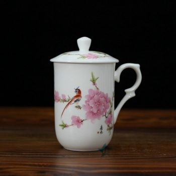 CBDI48-F 手绘粉彩骨瓷茶杯 泡茶杯 老板杯办公杯 尺寸:口径 7.7厘米 盖径 8.6厘米 高 13.8厘米 容量 350毫升