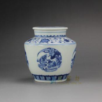 RYZ157 手绘青花缠枝荷塘鸳鸯屏画茶叶罐 盖罐 密封罐 尺寸; 口径 5.8厘米 肚径 9.5厘米 高 9.8厘米