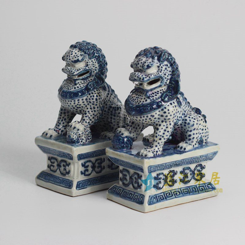 RYQA08-OLD 青花雕塑狮子