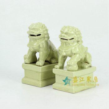 RYXP21-F-OLD 黄色雕塑狮子