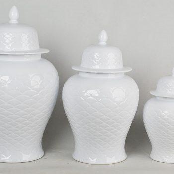 XY16-IW3418    景德镇  雕刻全白  大中小号  将军罐  花瓶   艺术摆件品