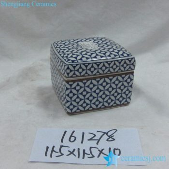 rzka161278    金边青花底纹 直筒四方形 印泥盒
