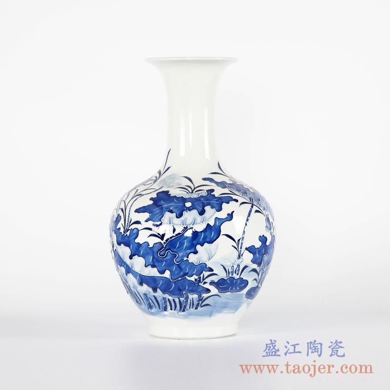 RYCI44-B 手绘青花雕刻荷花赏瓶