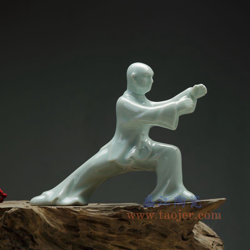 上图:RZON03-B 盛江陶瓷 纯手工雕刻太极新中式人物书房陶瓷摆件 B款