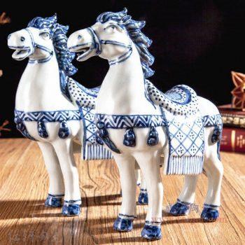 RZGB20-01小 景德镇陶瓷 青花瓷工艺品手绘陶瓷骏马摆件