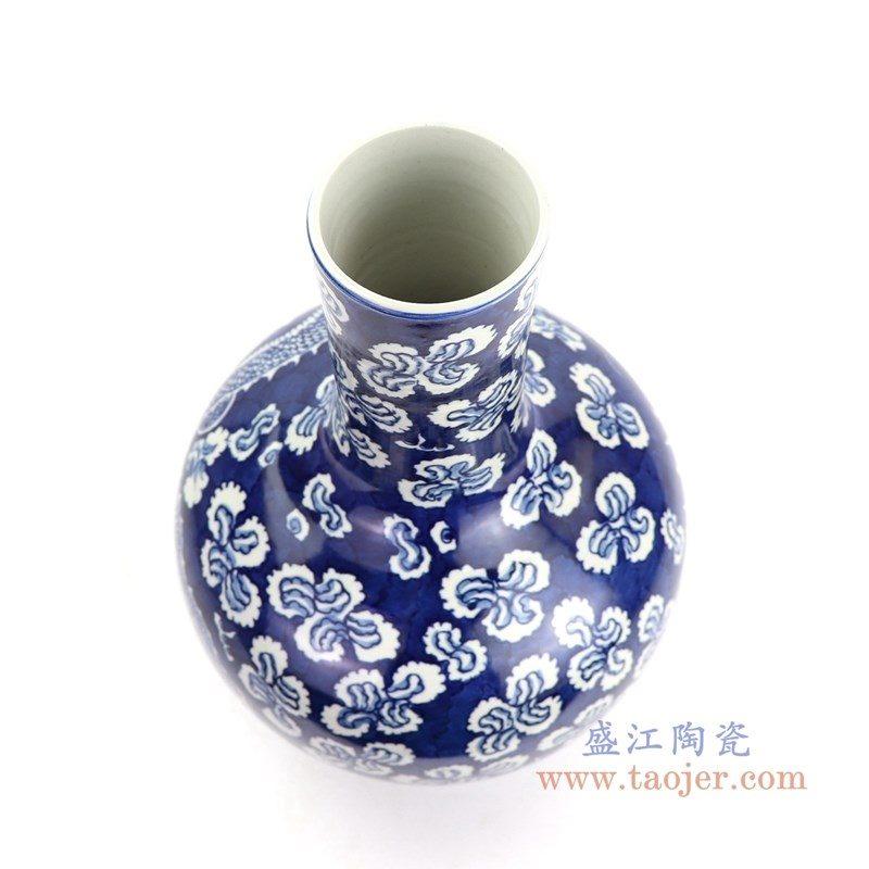 RYWD29 盛江陶瓷 清康熙蓝地青花穿花龙纹胆瓶