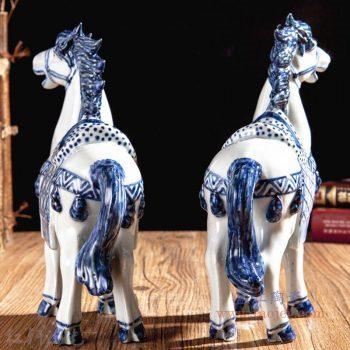 RZGB20-01大 景德镇陶瓷 青花瓷工艺品手绘陶瓷骏马摆件