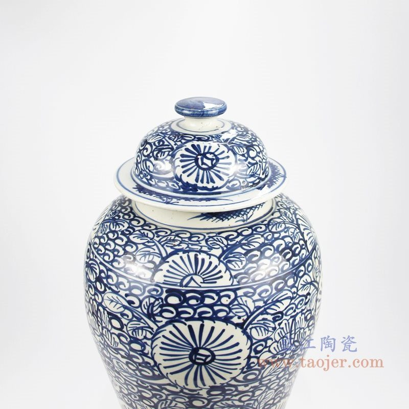 RZKT24-D手绘青花写意缠枝莲花卉将军罐 顶部图