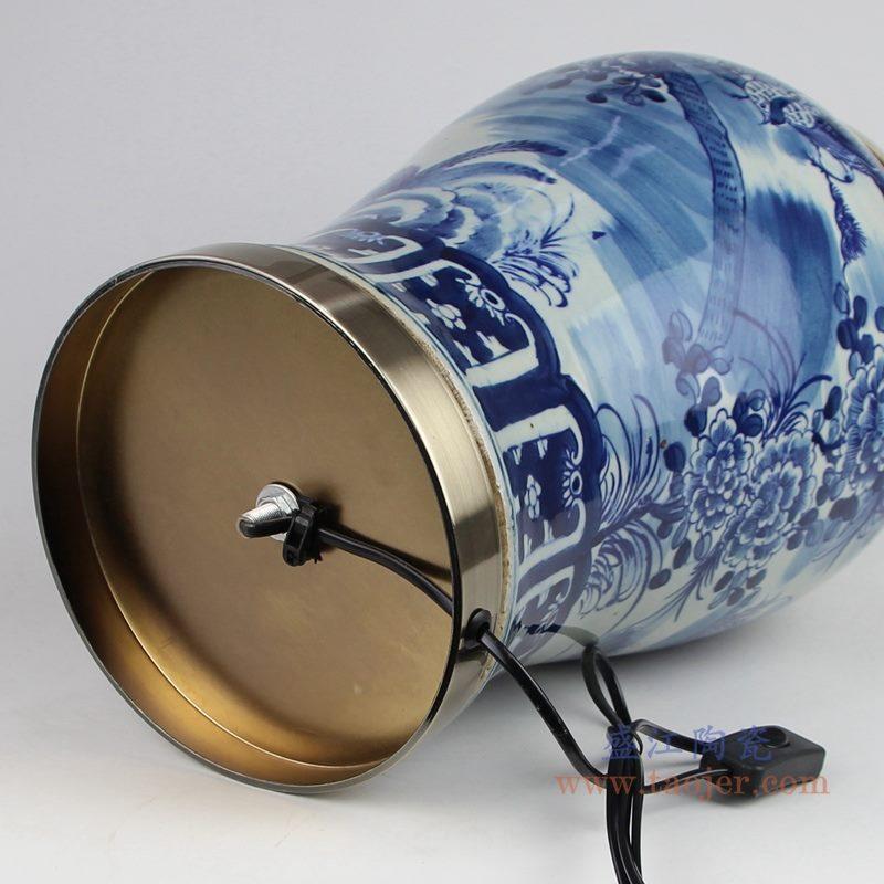 上图 手绘青花花鸟陶瓷将军罐灯具底部图片 购买请点击图