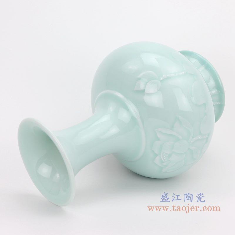 上图:颜色釉豆青影青雕刻荷花赏瓶 侧面图 购买请点击图片