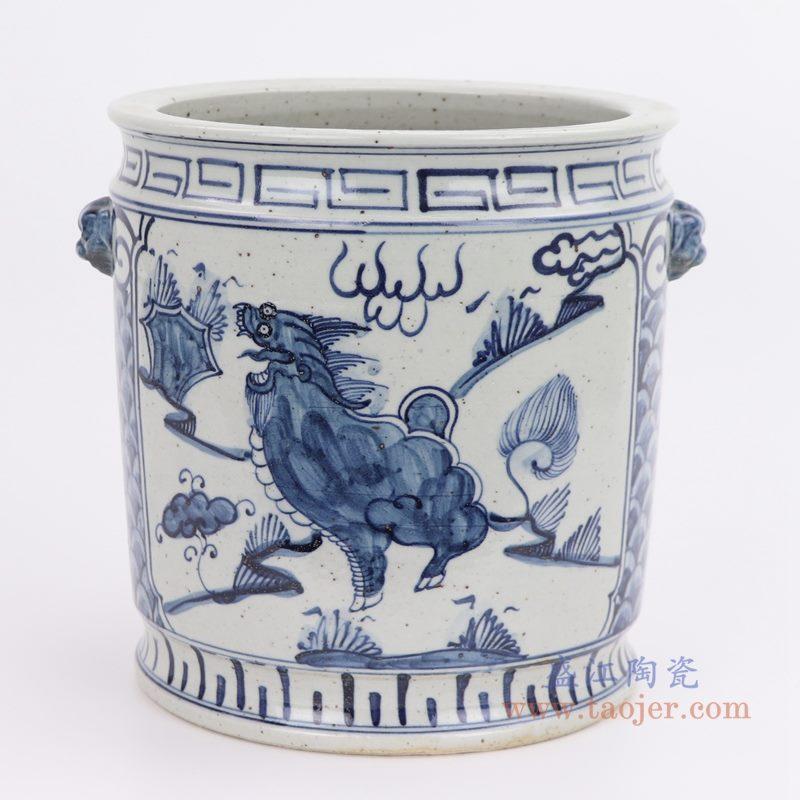 上图:仿古手绘青花双耳狮头麒麟纹直筒小缸正面图 购买请点击图片