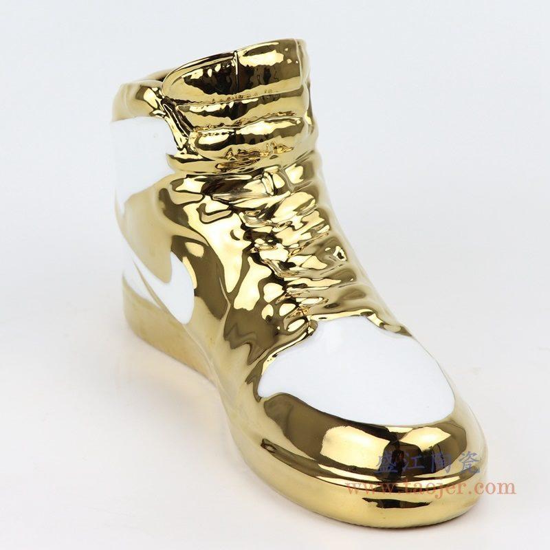 上图:RZQU02白底镀金陶瓷雕刻耐克鞋子NIKE AJ 侧面 购买请点击图片