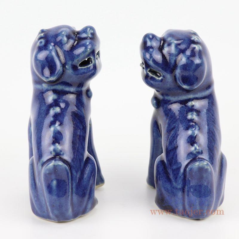 上图;祭蓝深蓝狮子狗坐姿雕塑瓷狮背面图  购买请点击图片