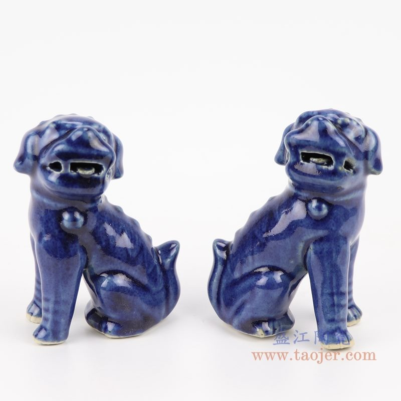 上图;祭蓝深蓝狮子狗坐姿雕塑瓷狮    购买请点击图片