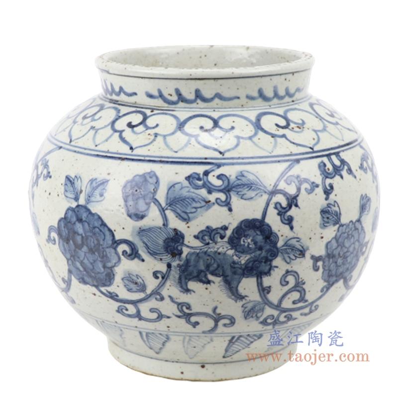 仿古手绘青花缠枝连纹图陶瓷罐