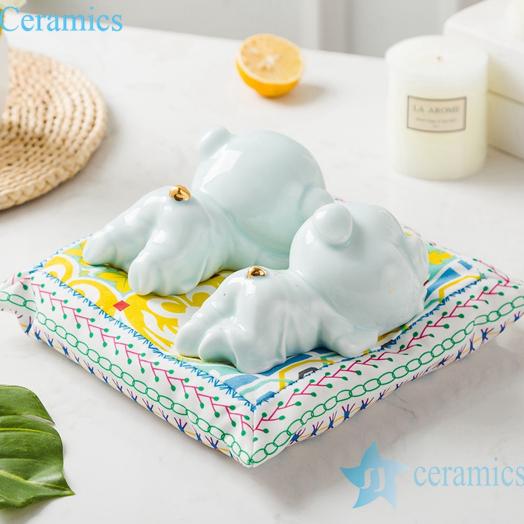 RZSH01  影青釉陶瓷镀金雕塑趴趴猪