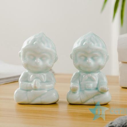 影青釉陶瓷雕塑调皮小猴一对