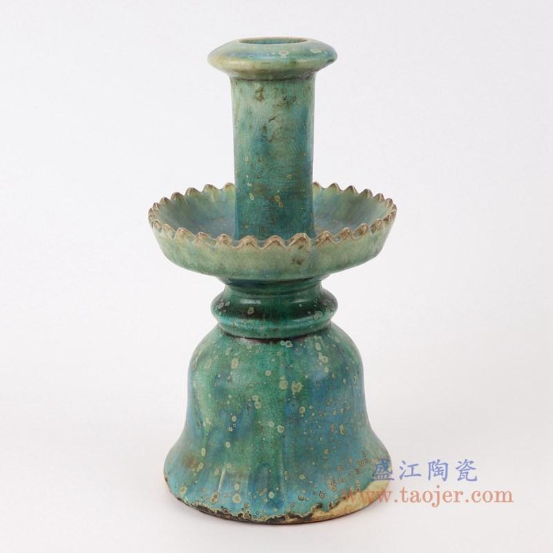 RZSP22 仿古窑变绿釉烛台正面