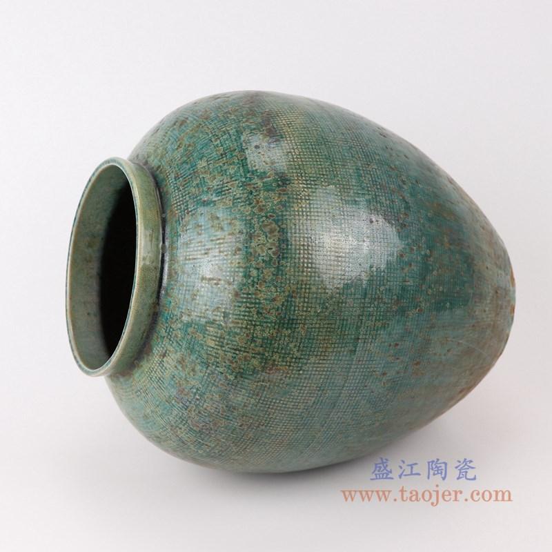 RZSP05 仿古窑变绿釉网格纹罐子侧面