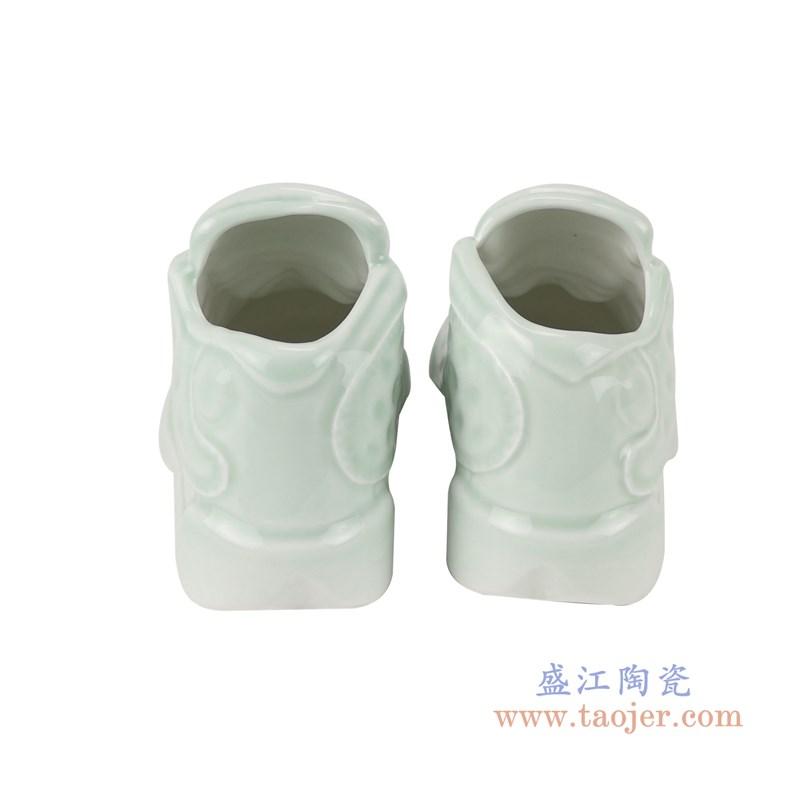 RZQU08颜色釉青釉雕刻小号鞋子背面