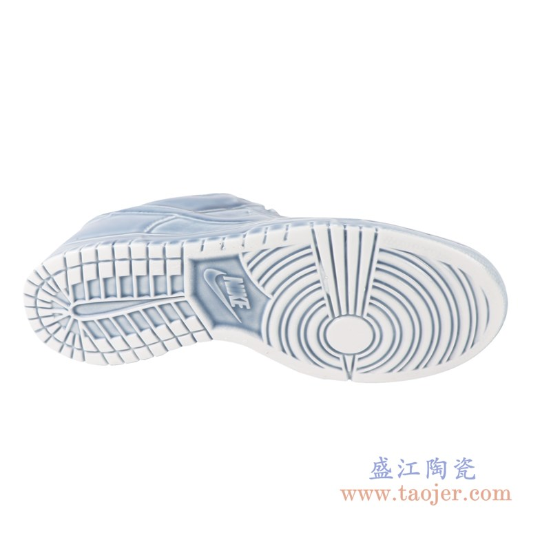 RZQU03 颜色釉青釉雕刻帆布纹耐克鞋子底部