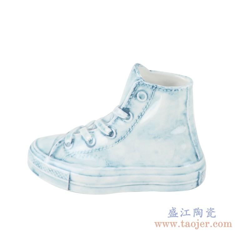 RZQU06  颜色釉雕刻牛仔纹直筒小号鞋子侧面