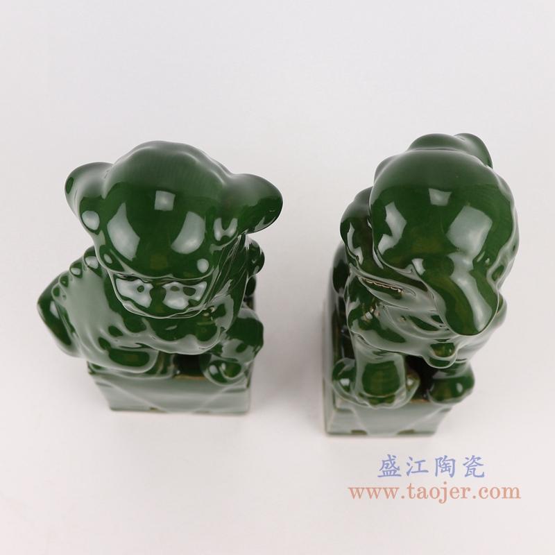 RZGB29-B绿色深绿蹲坐狮子狗一对顶部
